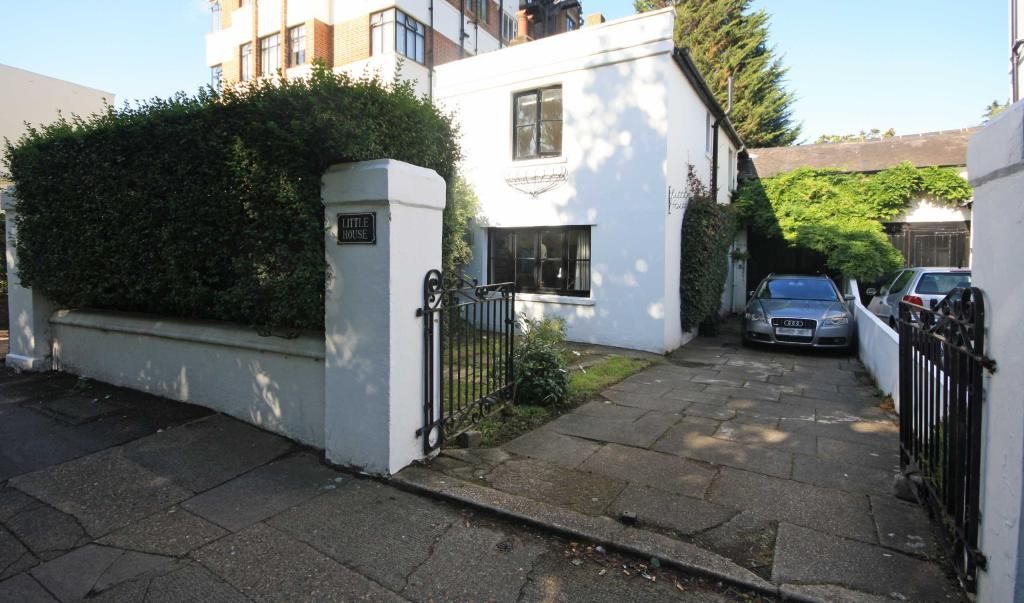The Crescent Surbiton Properties For Sale