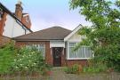 2 bed Bungalow in Fairfax Road, Teddington