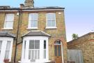 3 bedroom house to rent in Lindum Road, Teddington