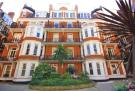 3 bedroom Flat in Fitzgeorge Avenue, London