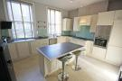 3 bed Flat to rent in Turneville Road...
