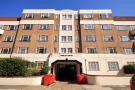 1 bedroom Flat in Hamlet Court...