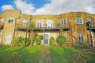 2 bed Flat in Hampton Court Road...