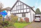4 bed Detached property in Vicarage Road...