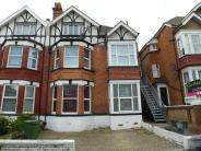 Maisonette to rent in Amherst Road...