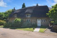 2 bedroom Detached house for sale in Manor Road, Grimscote...