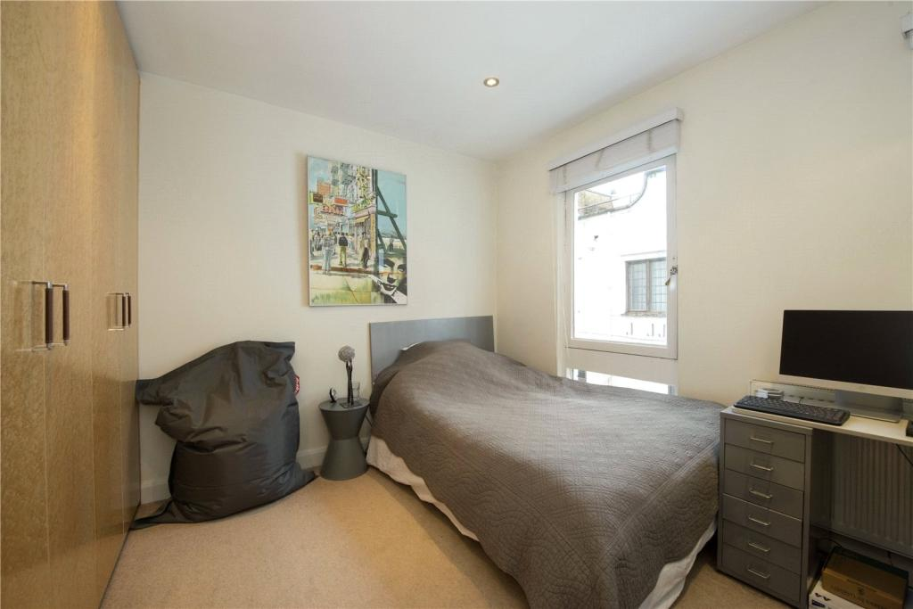 2 bedroom mews house for sale in kynance mews south for 15 selwood terrace south kensington london sw7 3qg