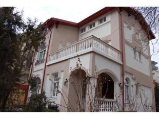 Town House for sale in HISTORIC VILLA IN REGINA...