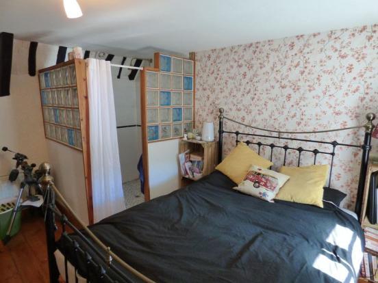 Bedroom 1/En-s...