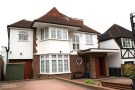 5 bed Detached home in BASING HILL...