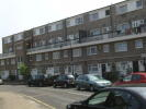Flat to rent in Avondale Road, London...