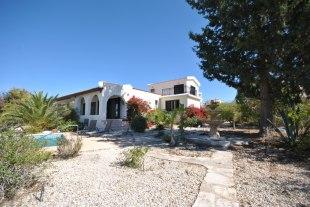 Detached Villa for sale in Paphos, Tala
