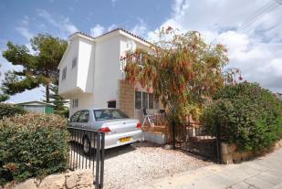 3 bed semi detached house in Kato Paphos, Paphos