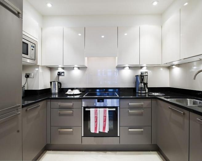 Grey and white kitchens pthyd for Grey white kitchen designs