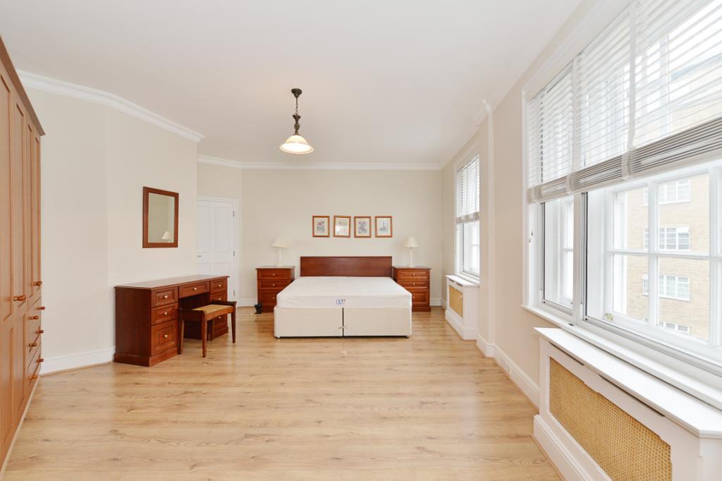 Naster Bedroom