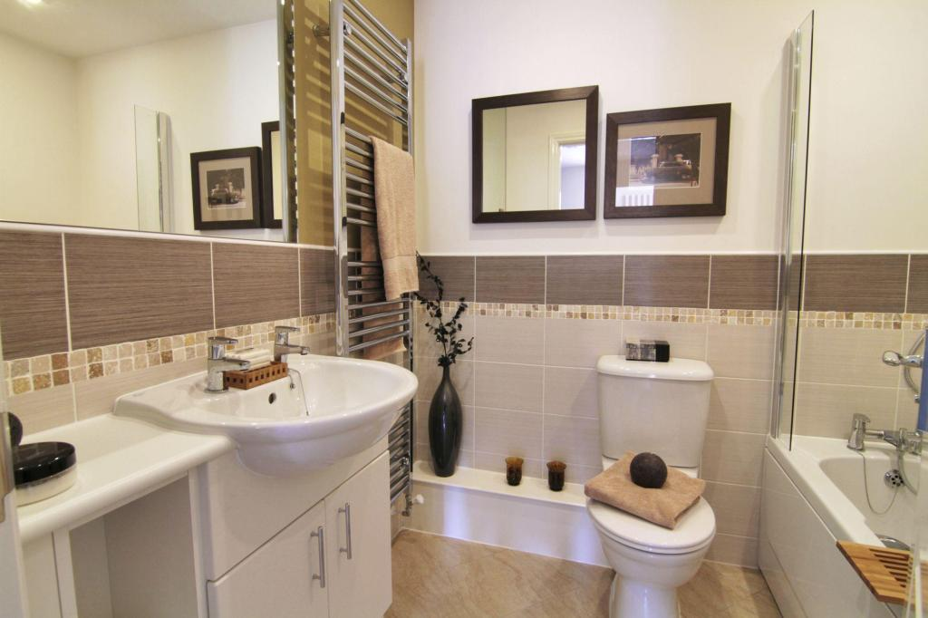 Enbourne bathroom