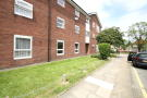 2 bedroom Ground Flat in Greenwood Close, Sidcup...