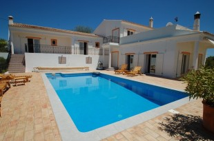 Villa for sale in Algarve...