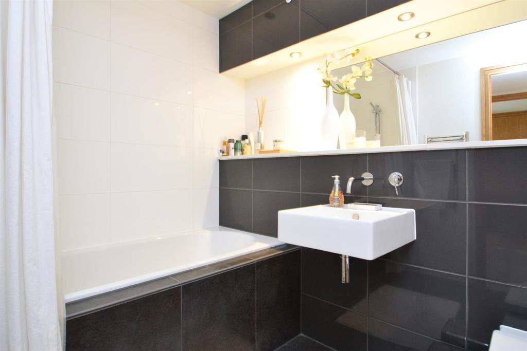 Bath-179-181.jpg