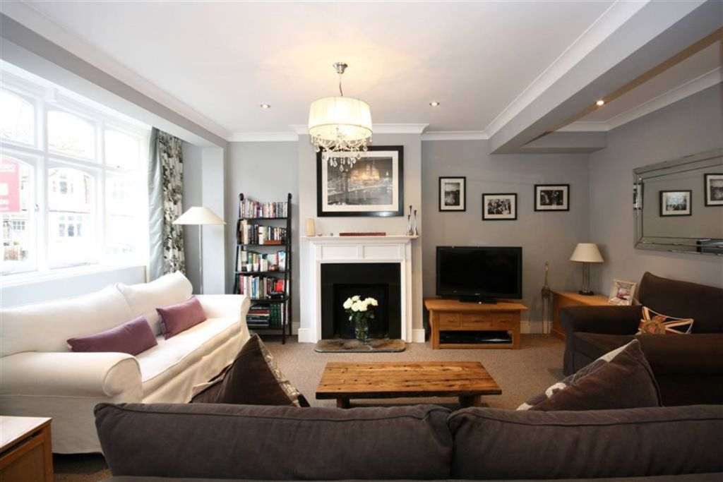 4 bedroom terraced house for sale in ripley gardens for Living room ideas 1930s semi