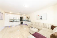 Apartment to rent in Shepherds Bush Road...