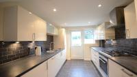 semi detached house to rent in Beverley Gardens