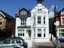 Flat to rent in Madeley Road Ealing W5