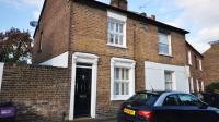 2 bedroom Terraced house in Helena Road, Windsor
