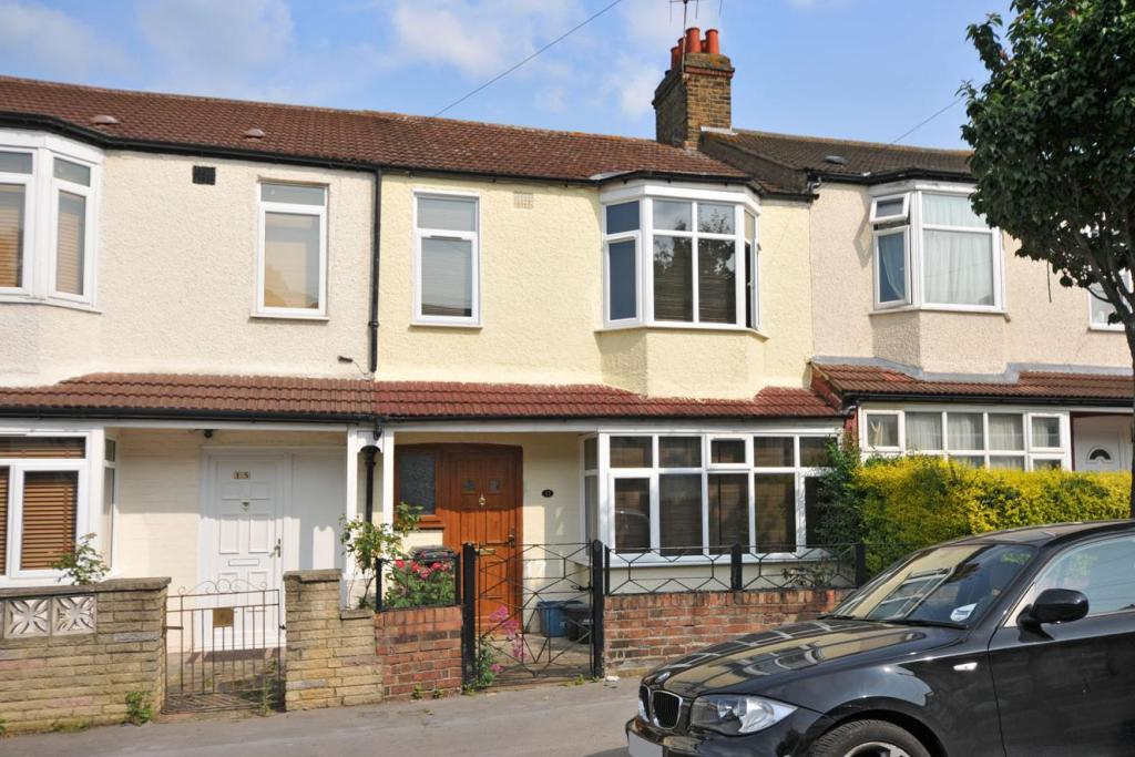 3 Bedroom Terraced House For Sale In Hamilton Road