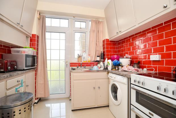 Two bed flat Worthing town centre