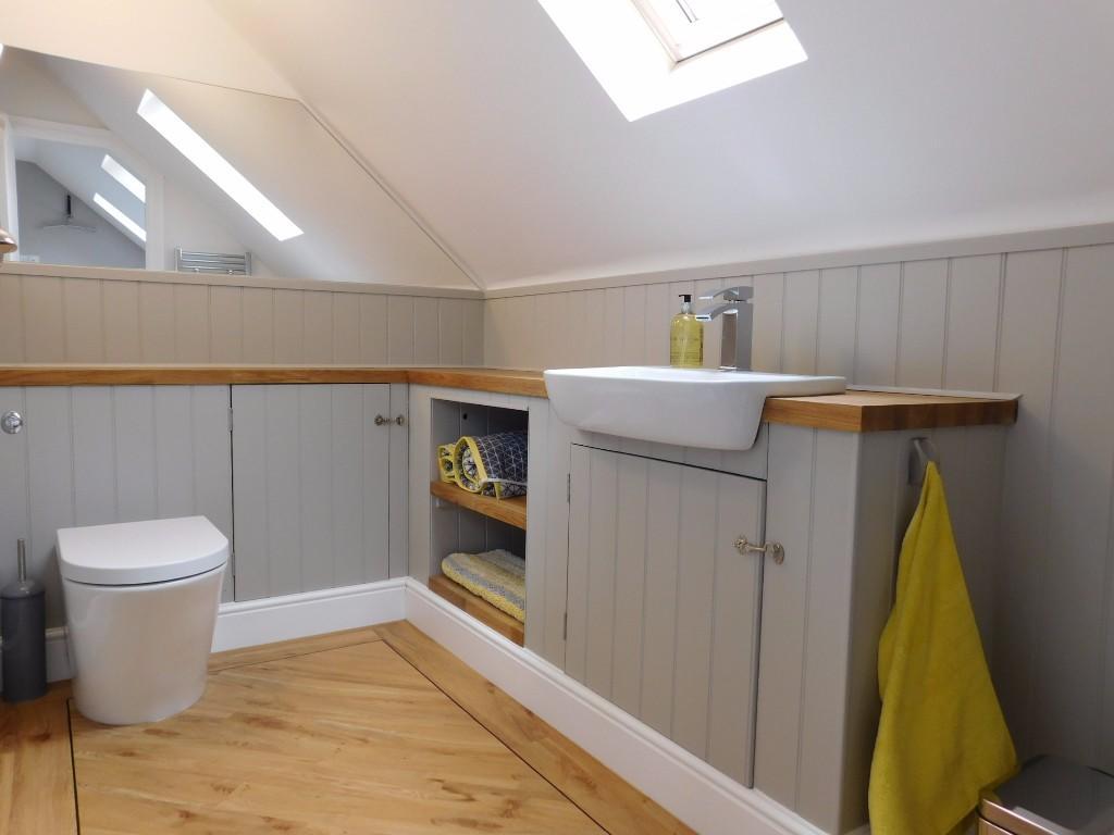 Studio Shower Room
