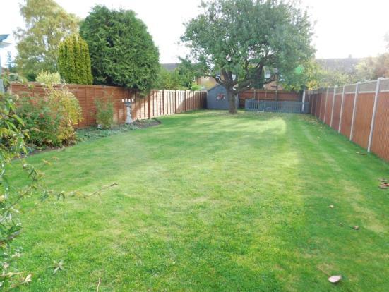 100ft private garden