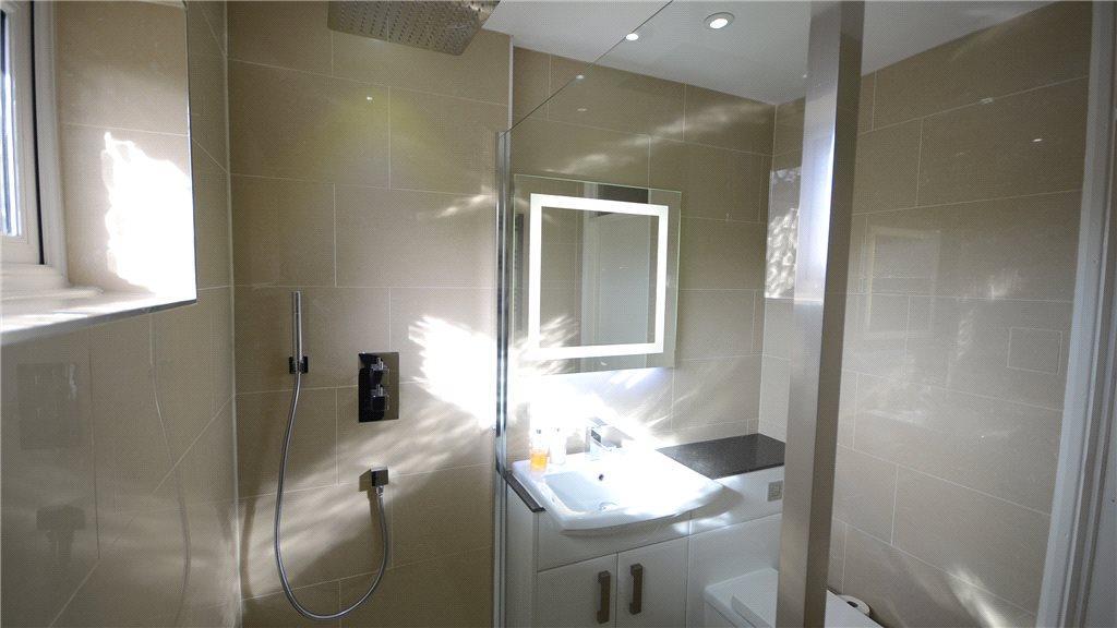 Shower Room 02
