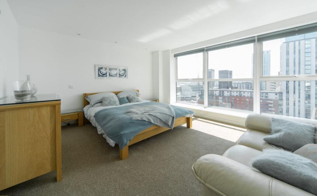 2 Bedroom Apartment To Rent In Queens College Chambers Paradise Street B1