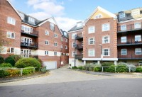 2 bedroom Apartment for sale in Dorchester Court...