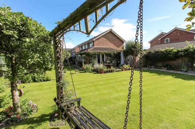 The garden swing