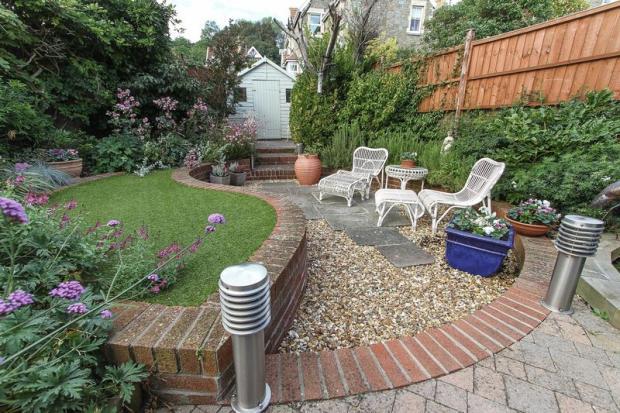 A garden with ...