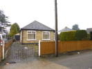 2 bedroom Detached Bungalow in Lees Road, Hillingdon...