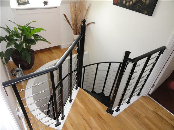 STAIRS & 2nd FLOOR LANDING