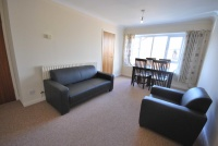 Flat to rent in Claremont Road...