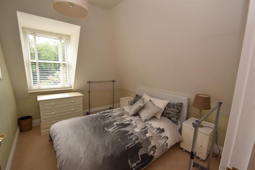 Bedroom Two/Study