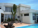 8 bed house in Kingstown