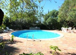 Villa for sale in Algarve, Loul�