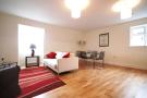 Flat to rent in Northfield Avenue...