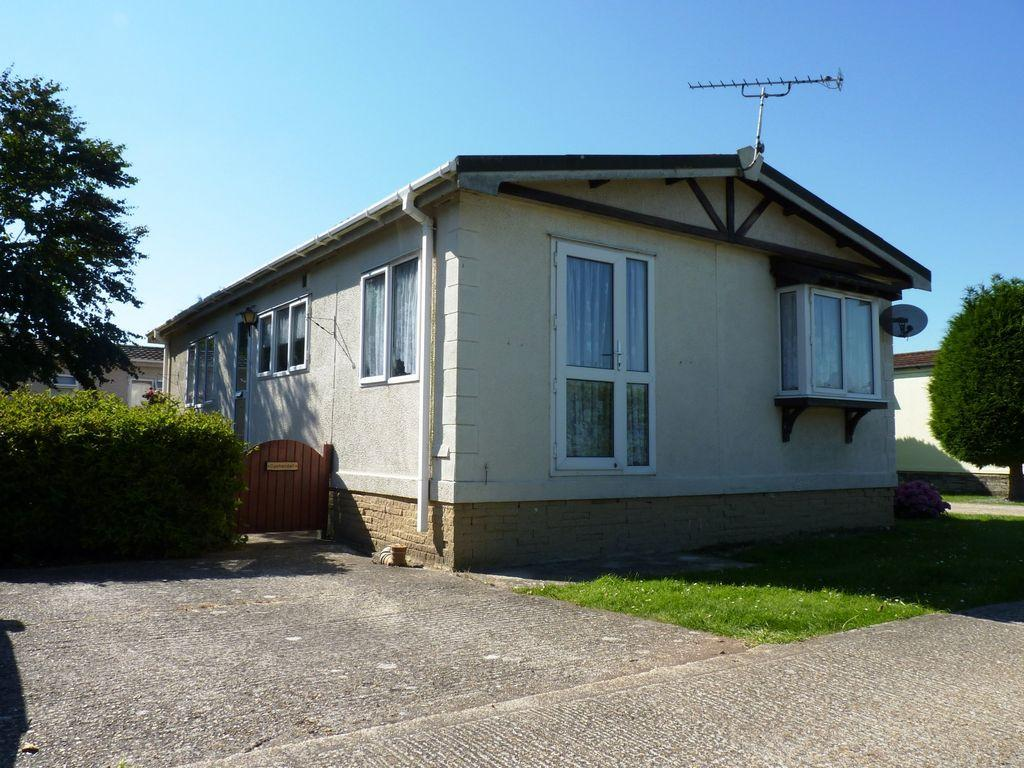 2 Bedroom Mobile Home For Sale In Orchard Park Rustington Bn16