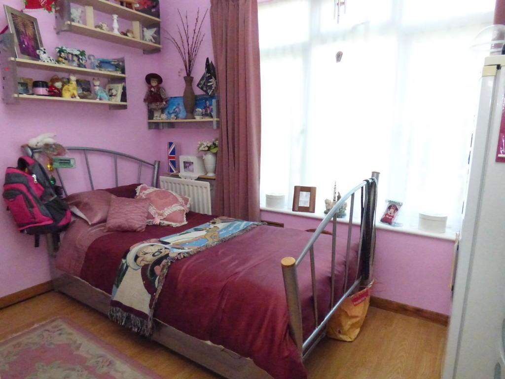 g/floor bedroom /...