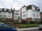 Flat to rent in Springbank, London, N21