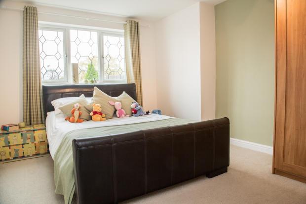 Guest Bedroom S66...