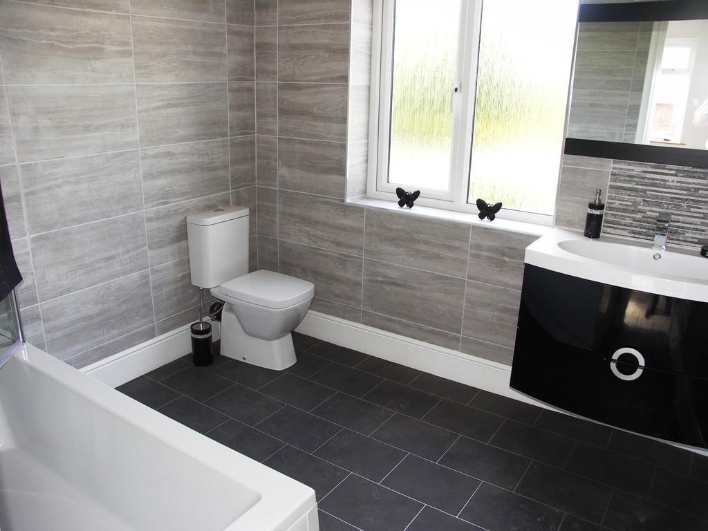 Bathroom S60 4LE
