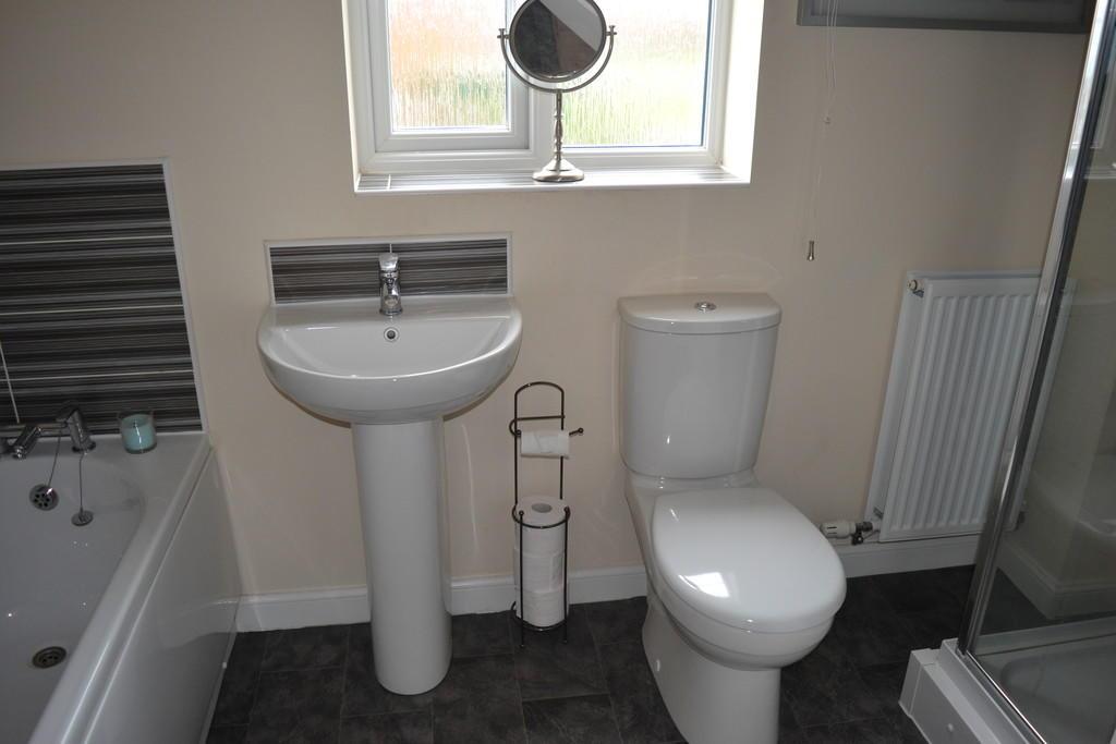 House Bathroom S6...
